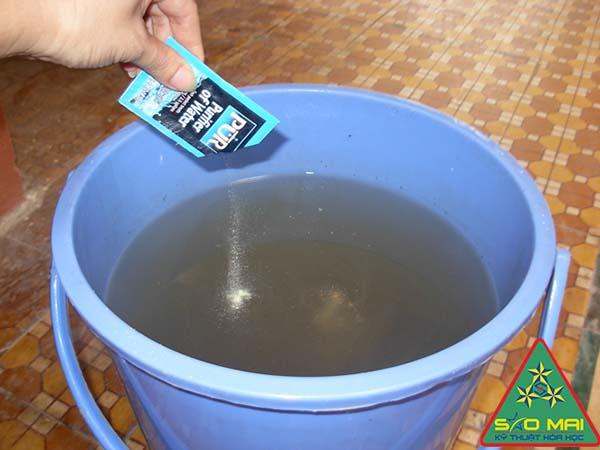 Hóa chất xử lý nước ăn uống sinh hoạt