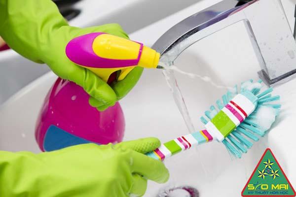 Chất tẩy rửa tại gia đình